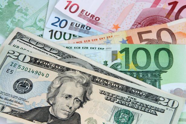Żeby przeciwdziałać kryzysowi spowodowanemu przez koronawirusa banki centralne ruszyły też z nowymi programami dodruku pieniądza