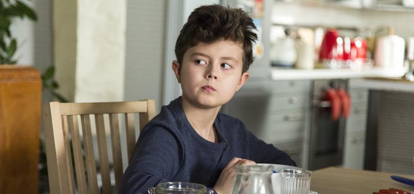 """Kacperek z """"Rodzinki.pl"""" zmienił się nie do poznania. Wygląda na to, że 17-letni Mateusz Pawłowski wraca na ekrany"""