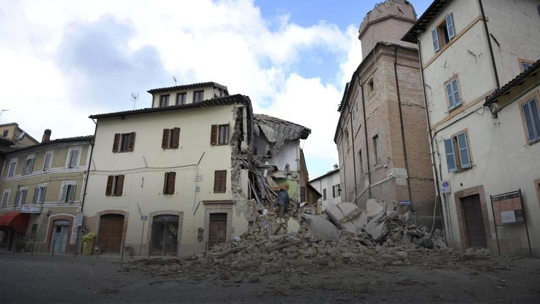 ITALY EARTHQUAKE (Quake in central Italy )