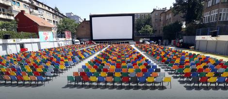 Bioskop na otvorenom spreman je za gledaoce