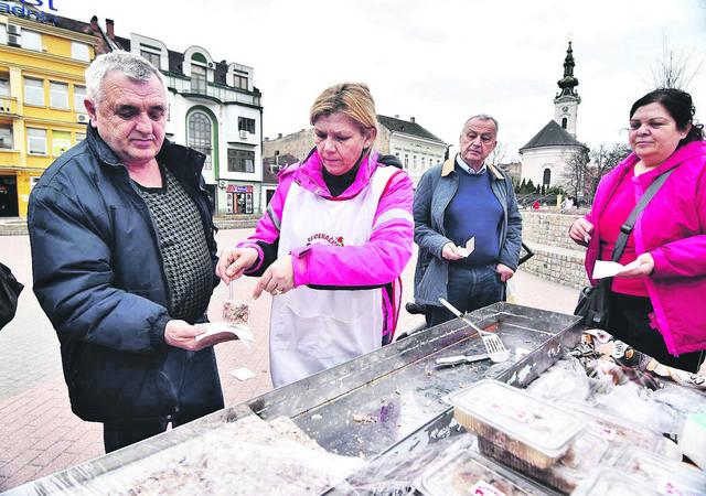 Rumenčani su prošle nedelje uzalud pravili promociju pihtijade