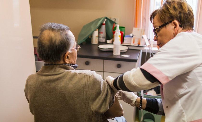 Darmowe szczepienia przeciwko grypie dla seniorów