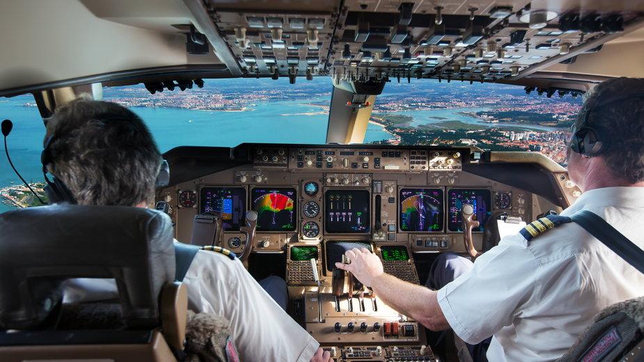 Piloci i stewardessy mają swój specyficzny, tajny język. (Zdjęcie ilustracyjne)
