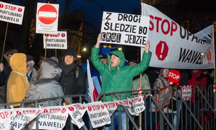 Protest pod Wawelem