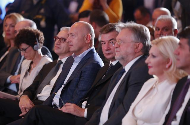 Miodrag Kostić, i ministri Goran Knežević, Dušan Vujović i Zorana Mihajlović
