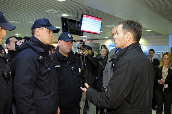 Gradonačelnik Siniša Mali sa komunalnim policajcima