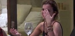 """20-latka z """"Hotelu Paradise"""" płacze w każdym odcinku. W końcu wyjawiła przygnębiającą prawdę"""