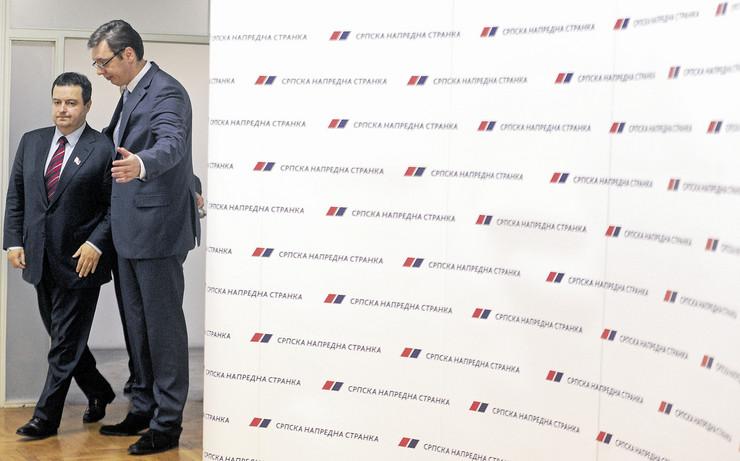 konferencija za novinare sns sps vučić dačić