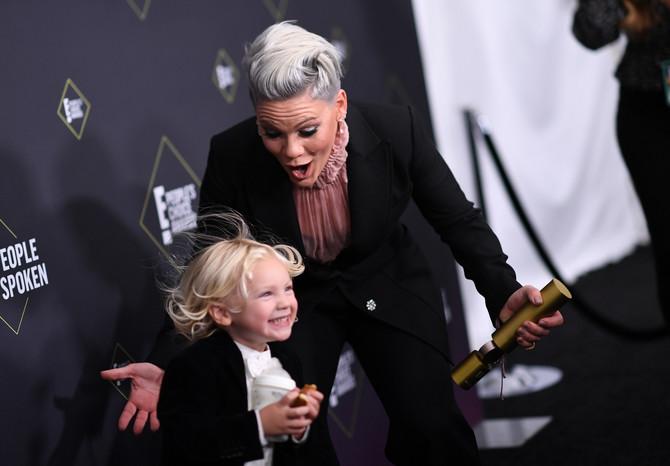 Pink na dodeli nagrada sa sinom