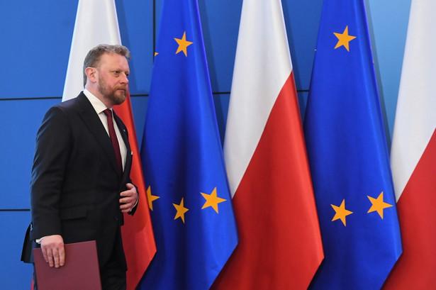 Pod koniec tego tygodnia lub na początku przyszłego trzeba będzie podjąć decyzję w sprawie stanu zagrożenia epidemicznego; nie wykluczamy przedłużenia okresu społecznej kwarantanny - powiedział w środę minister zdrowia, Łukasz Szumowski.