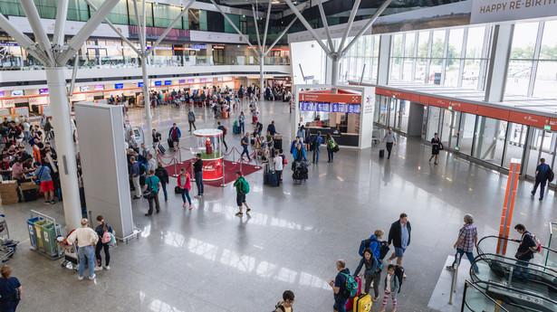 Hala odlotów na Lotnisku Chopina w Warszawie