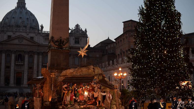 W Watykanie zapalono światło pokoju