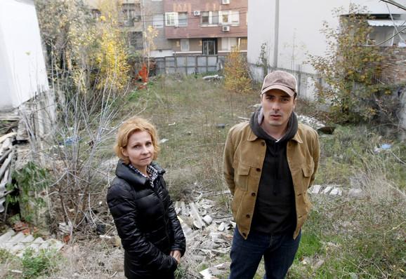 Stanari Dubljanske 35 koji su ostali bez svojih kuća