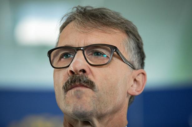 Pytany o przyczynę swojej rezygnacji, Mazur powiedział, że nie widział dalszej możliwości wykonywania funkcji przewodniczącego KRS w sytuacji obopólnej utraty zaufania.