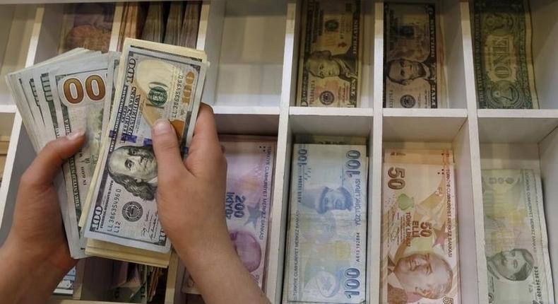 Coronavirus: World Health Organisation cautions countries on the spread of the disease through banknotes