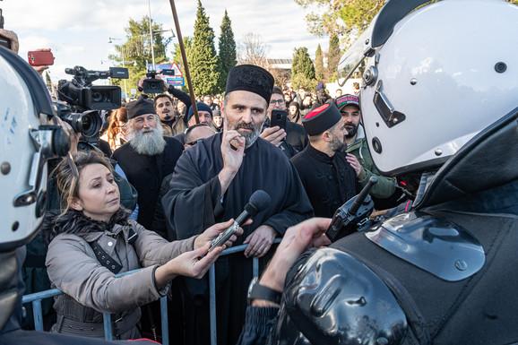 Detalj sa jednog od protesta protiv spornog zakona u Crnoj Gori