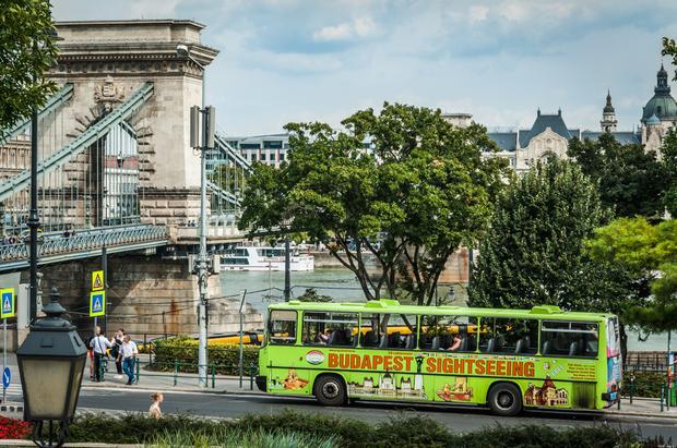 Autobus turystyczny w Budapeszcie