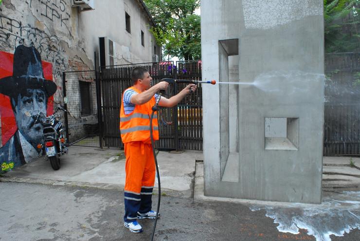 Pranje spomenika