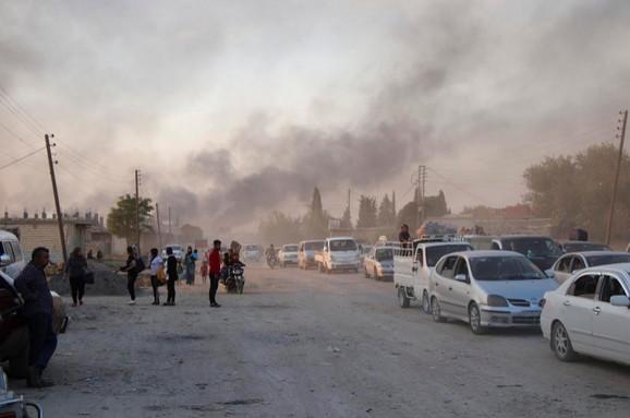 Kurdi beže iz napadnutih gradova