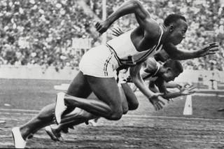 Źli dla biznesu. Sportowcy, którzy odważyli się głośno mówić o dyskryminacji Afroamerykanów, zapłacili wysoką cenę