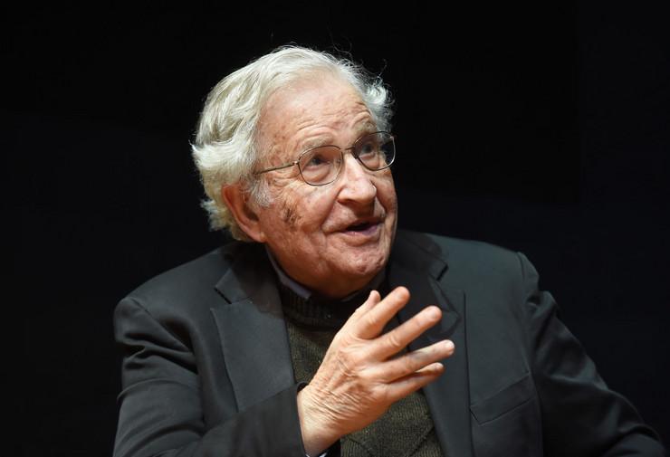 amerika izbori4 Noam Čomski Chomsky foto epa
