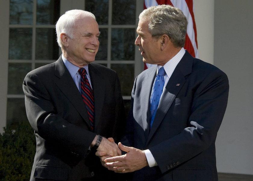Bush pokonał McCaina 18 lat temu