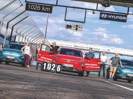Hyundai Kona lepszy od Tesli – elektryzujący rekord