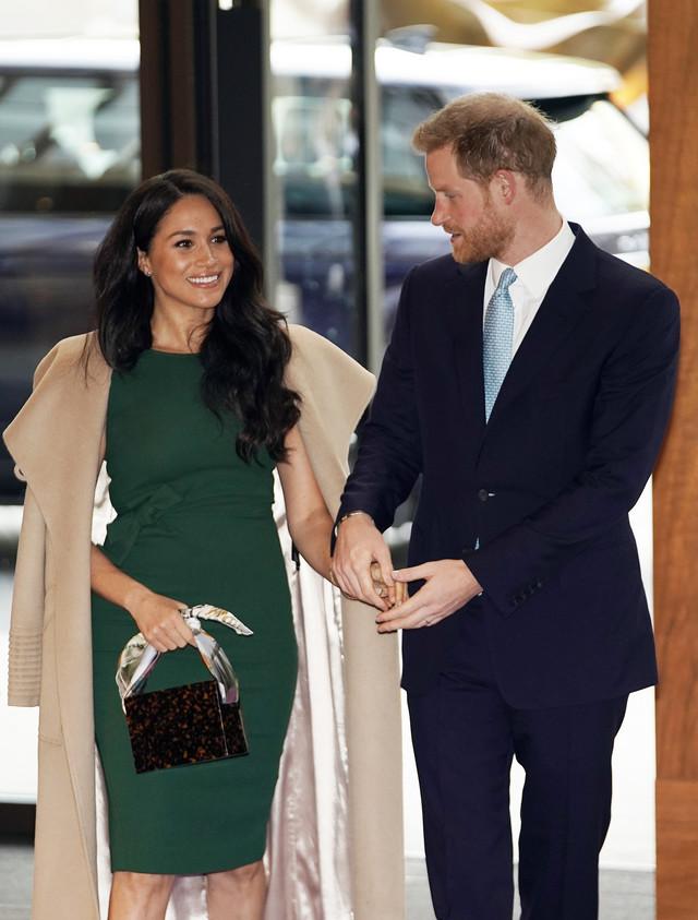 Kraljevski par gradi buduće poslovne veze
