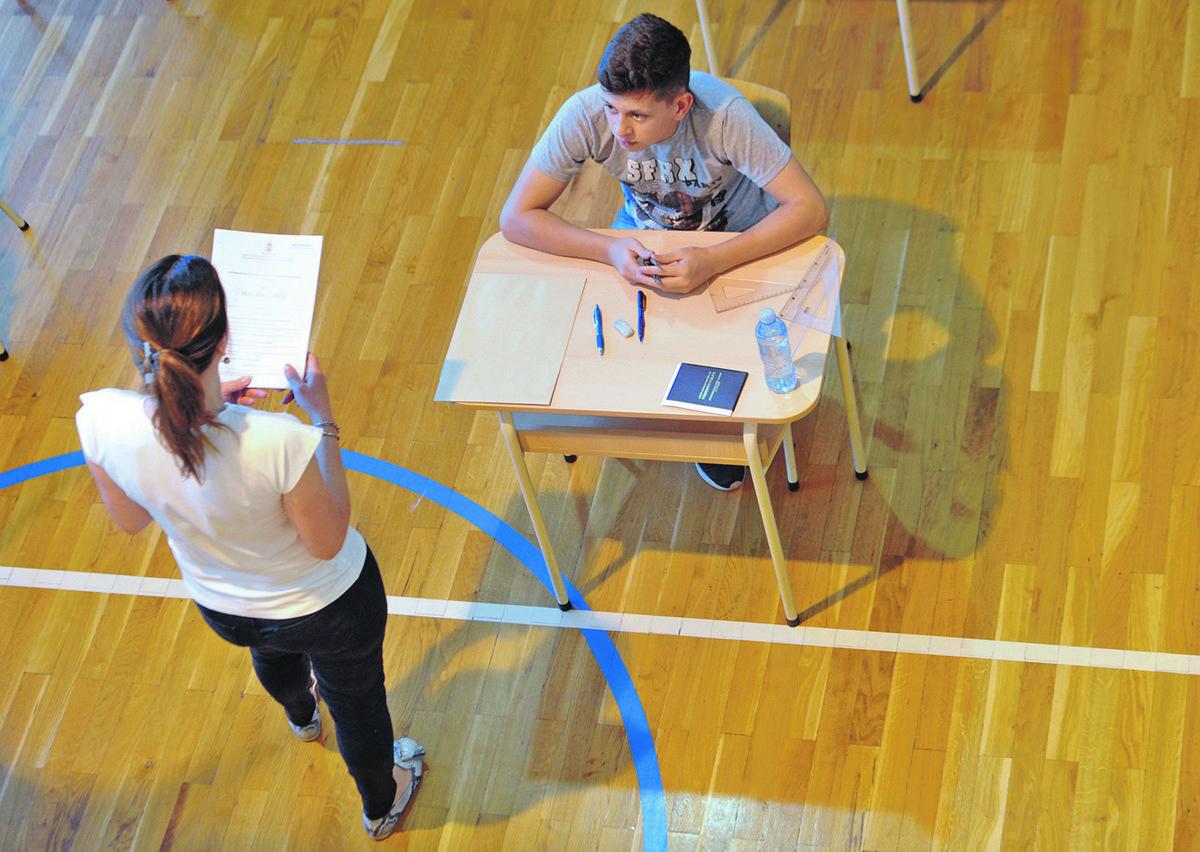 Pitanja iz PET PREDMETA: Možete li da rešite KOMBINOVANI TEST ZA MALU MATURU?