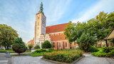 Bazylika w Oleśnicy znalazła prosty sposób na limity wiernych na mszy