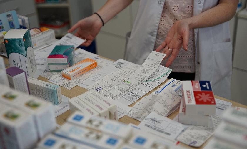 Aptekarze alarmują: dalej brakuje kilkaset leków