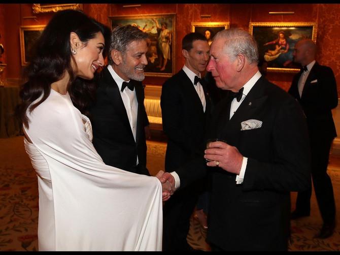 Tog dana sklopili su VAŽAN PAKT: Svi su gledali u haljinu Amal Kluni zbog koje se ZARUMENEO i princ Čarls, ali ovo je PRAVI RAZLOG njene posete palati