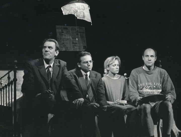 """""""Polowanie na karaluchy"""", spektakl w Teatrze Ateneum (1991 r.)"""