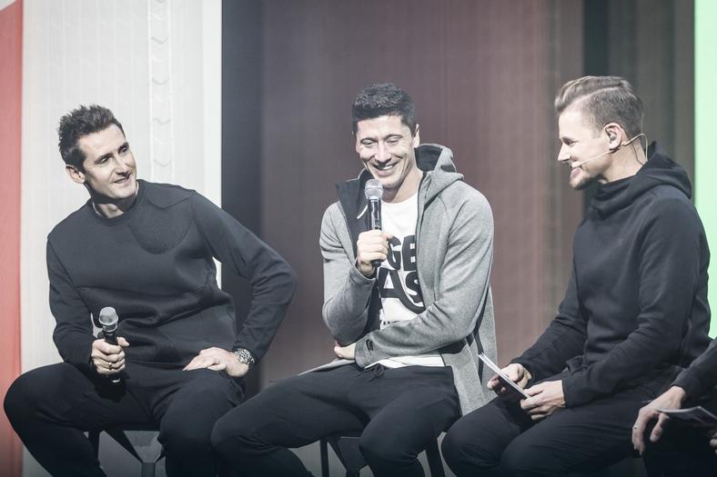 """""""Lewy"""" dołącza do kluczowych sportowców Nike. W Monachium, z Miroslavem Klose, prezentował nowe Hypervenom 3"""