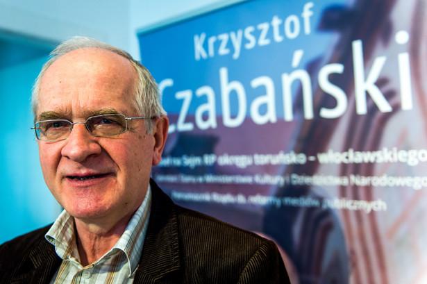 Sekretarz stanu w Ministerstwie Kultury i Dziedzictwa Narodowego Krzysztof Czabański w trakcie konferencji prasowej na temat reformy mediów publicznych w Toruniu.