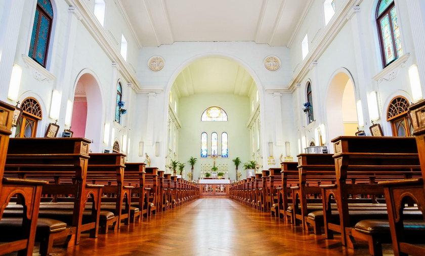 Watykan wydał dekret ws. koronawirusa. Tak będzie wyglądać Wielkanoc w kościołach