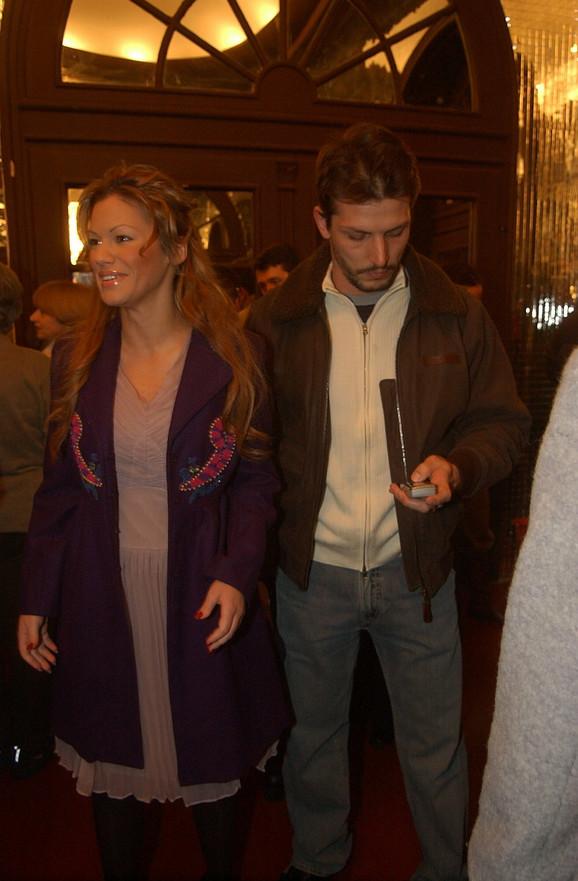 """Nataša je trenutno sa ćerkom Hanom na Zlatiboru, dok se Dača """"krije"""" u svom restoranu"""