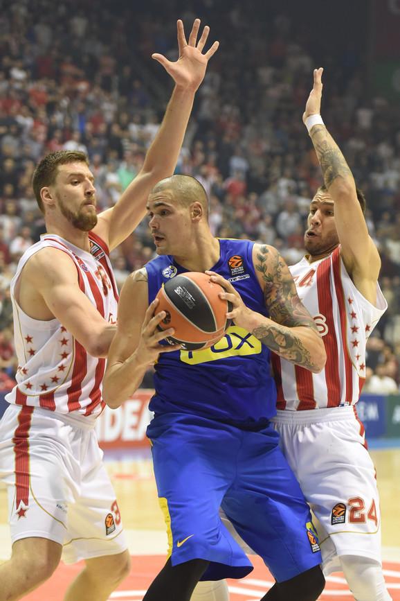Odlična odbrana: Kuzmić i Jović zaustavljaju Cirbesa