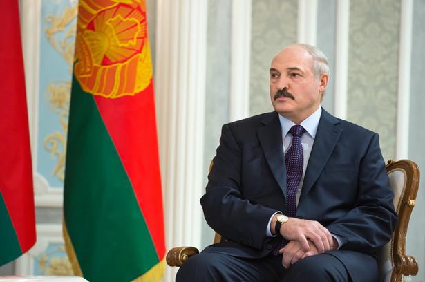Wskaźniki poparcia dla prezydenta Alaksandra Łukaszenki spadły do poziomu najniższego od niemal pięciu lat.