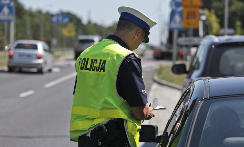Obowiązkowa polisa OC coraz więcej kierowców jeździ bez niej