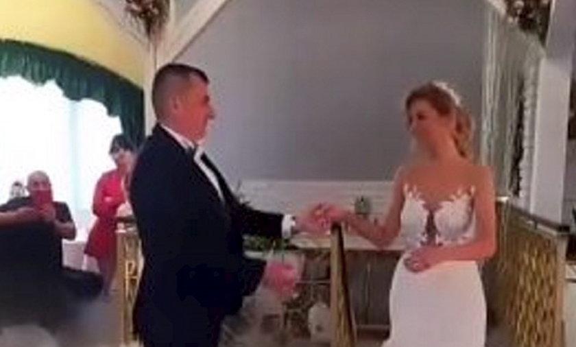 """Sara Szewczyk z czwartej edycji programu """"Rolnik szuka żony"""" wzięła ślub"""