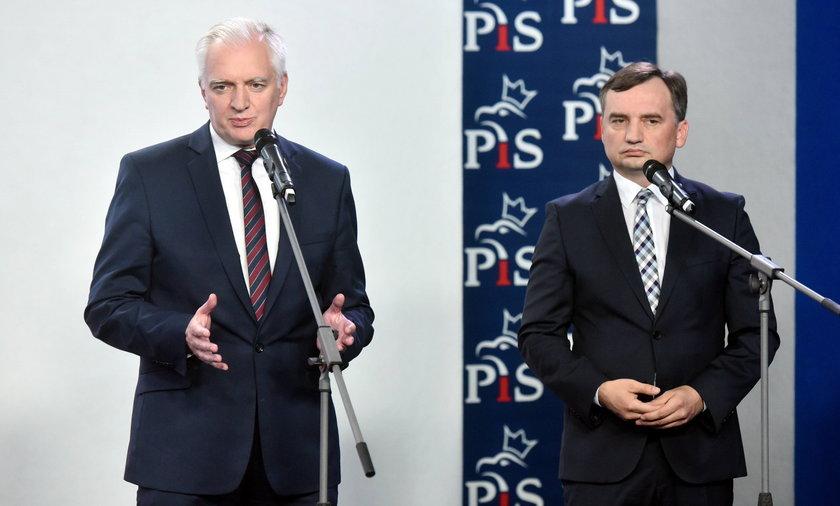 Sondaż: partie Ziobry i Gowina  nie mają szans samodzielne wejście do Sejmu.