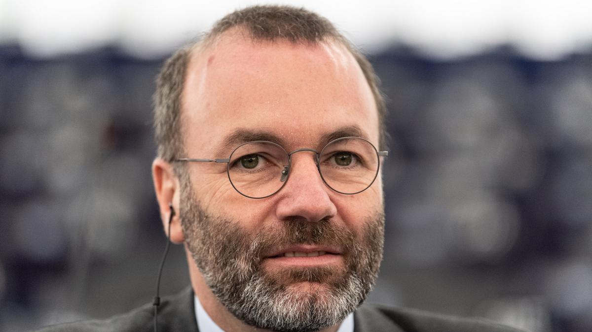 Hát, nem lettek barátok: Manfred Weber most a Pegasus miatt szállt bele Orbánékba – ezt mondta