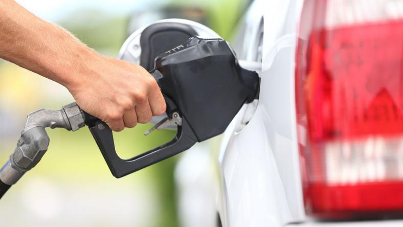 Szerdától olcsóbban tankolhatunk / Fotó: Northfoto