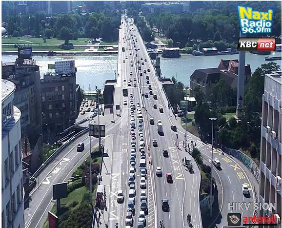Pojačan saobraćaj na Brankovom mostu i u Terazijskom tunelu ka gradu