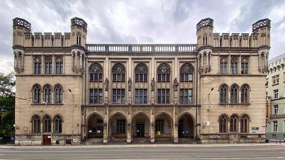 Nowa Giełda we Wrocławiu wystawiona na sprzedaż. Pochodzi z 1864 roku!