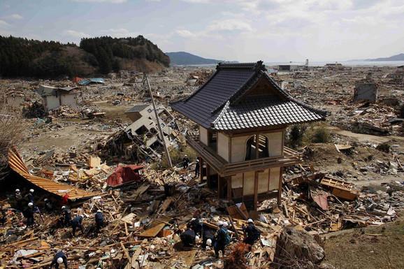 Ovako izgleda kada cunami protutnji