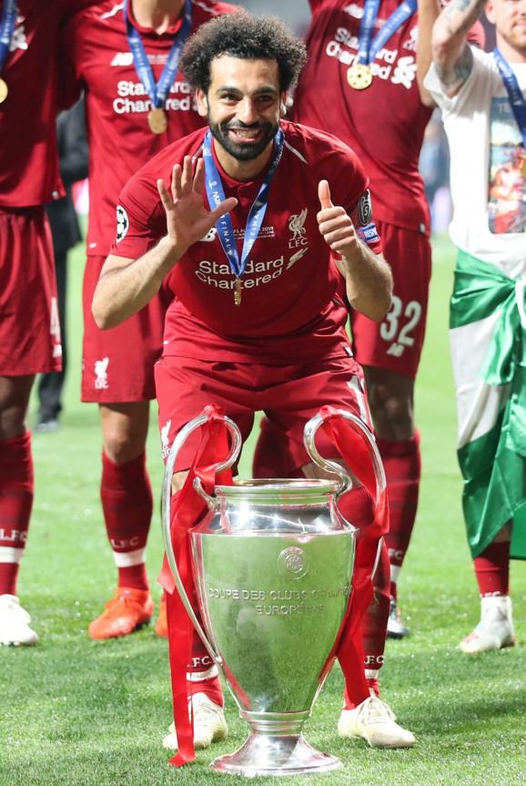 Mohamed Salah sa trofejom Lige šampiona
