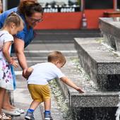 BEBA NE ZNA DA KAŽE KAD JE ŽEDNA Evo kako da zaštitite decu tokom jakih vrućina