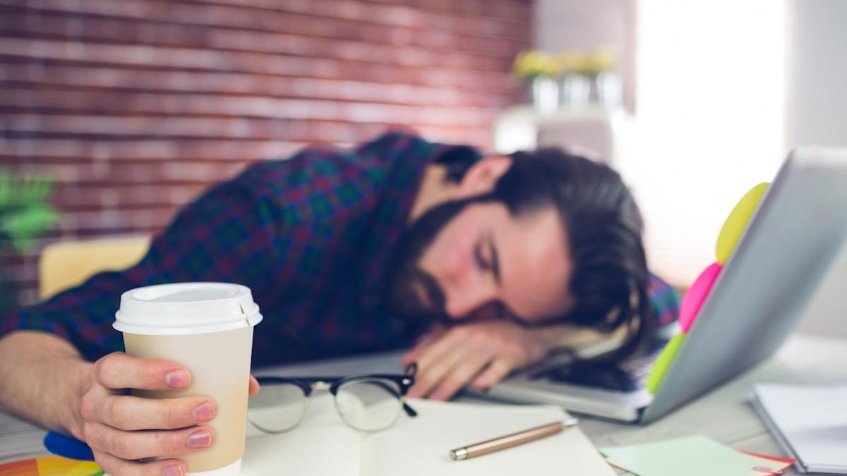 POLA SATA ODMORA! U ovoj zemlji je spavanje na poslu obavezno